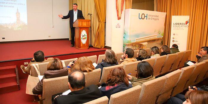 UOH y PUCV organizan seminario de liderazgo con ponencias de investigadores de Universidad de Glasgow