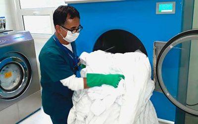La importante y sigilosa labor del servicio de lavandería del Hospital de Chimbarongo