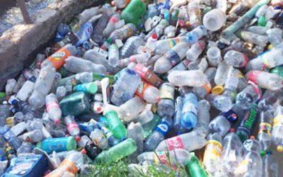 Canalistas hacen un llamado a no botar basuras en canales de riego