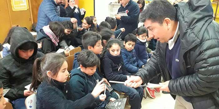 Charlas educativas de eficiencia energética reciben niños de escuelas rurales de Paredones