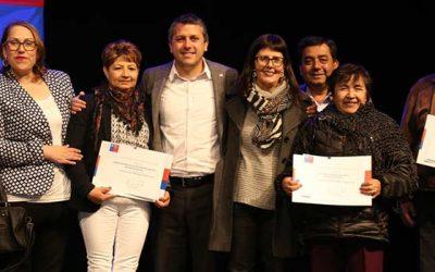 Gobierno entrega recursos a 168 clubes y organizaciones de adultos mayores de Cachapoal