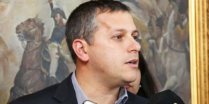 intendente El mezquino cálculo electoral de la oposición ha dejado sin reajuste a los trabajadores
