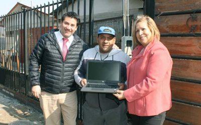 Seremi de Desarrollo Social y el Senadis entregan ayudas técnicas a personas con discapacidad de Graneros y Codegua