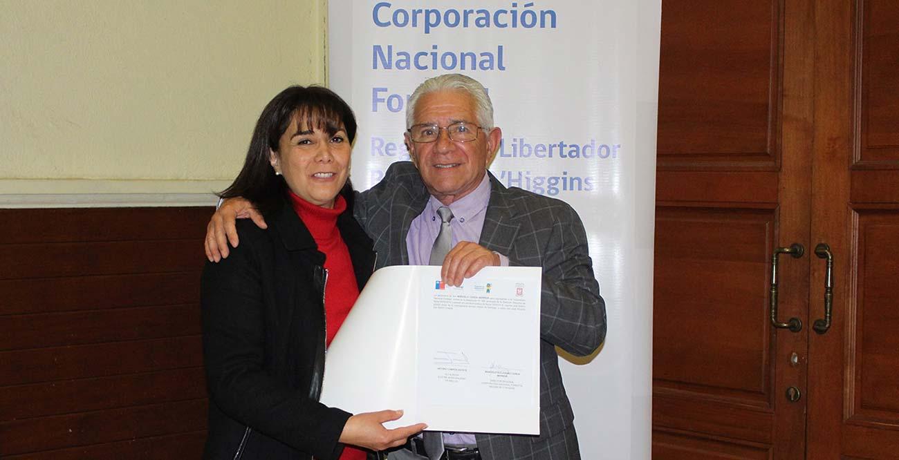 Conaf y las comunas de Cachapoal firman por los arboles