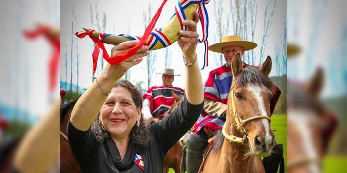 Espectacular celebración de fiestas patrias en Palmilla