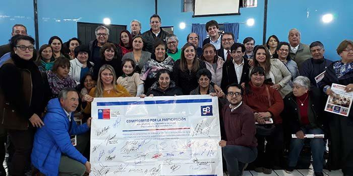 Firma de compromiso participativo para dirigentes sociales