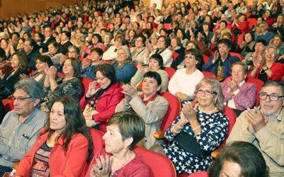 Intendente participa de entrega de subvenciones a adultos mayores