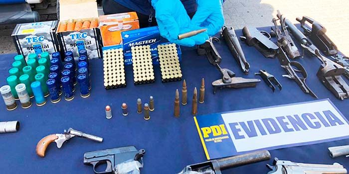 PDI detiene sujeto que utilizaba zapatería para vender armamento ilegal