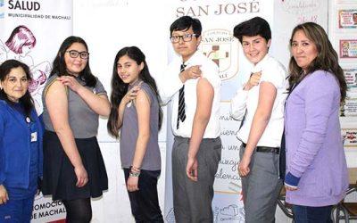 Salud Machalí comenzó la vacunación escolar 2018 junto a alumnos del colegio San José
