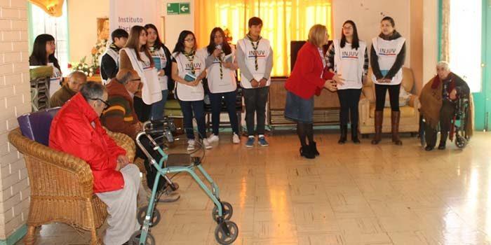 Scouts de Chile realizan Encuentro Intergeneracional de Lectura Acompañada a adultos mayores