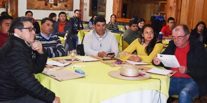 Autoridad Sanitaria capacita a trabajadores agrícolas en temáticas de Salud Pública con enfoque en vida saludable