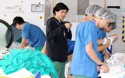 Estudiantes maristas realizan labores de voluntariado en Hospital San Fernando
