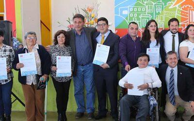 Familias de Doñihue reciben su subsidio que les permitirá tener su vivienda propia