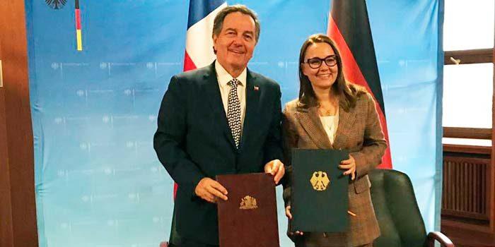 Gobiernos de Chile y Alemania firman acuerdo de coproducción audiovisual