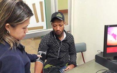 Hospital de Peumo realiza exámenes preventivos a comunidad haitiana