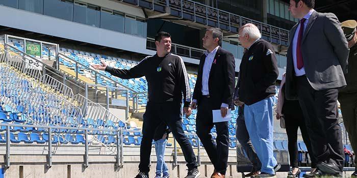 Intendente inspecciona Estadio El Teniente y se la jugó con resultado