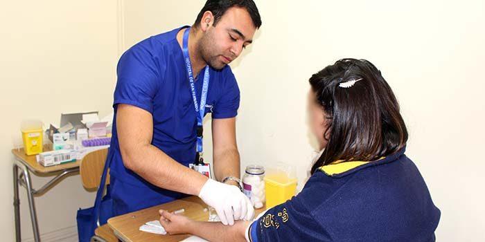 Laboratorio Clínico realiza tomas de muestra de VIH en San Fernando College