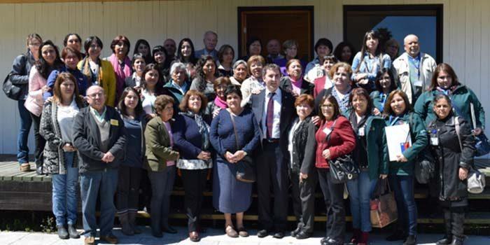 Líderes sociales abordan programa Elige vivir sano en Hospital de Peumo