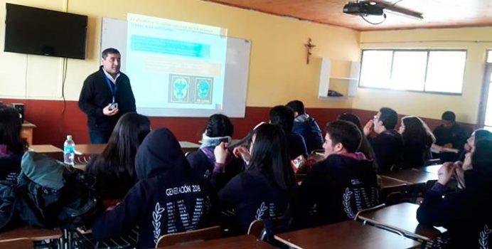 Realizan capacitación en temática de alcohol y conducción a estudiantes de Pichilemu