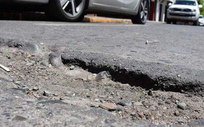 Ahora municipios podrán tapar hoyos de calles y veredas sin necesidad de recurrir al Minvu