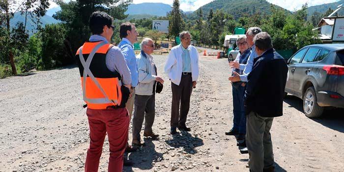 Gobernador y seremi de Obras Públicas revisaron obras de mantención de Ruta I-45