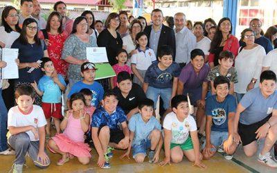 Intendente apoya labor de organizaciones de Coltauco con entrega de recursos del Fondo Social