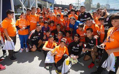 Niños rancagüinos comparten con Alexis, Vidal, Medel y compañía