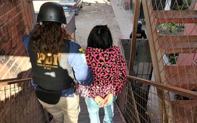PDI detiene a mujer que estafó a comerciante con cheques robados