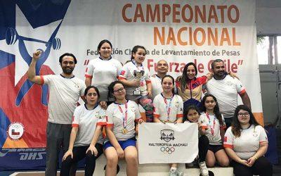 Pequeños levantadores de pesas son campeones Chile