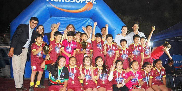 Colegio Inés de Suárez de Las Cabras se corona campeón de la copa agrosuper 2018