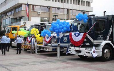 Cuerpo de Bomberos de Rancagua recibe cinco carros nuevos