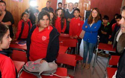 Intendente visita Navidad y anuncia inversión de $170 millones para la Escuela Básica de la localidad de Pupuya
