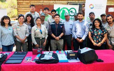 Seremi de energía entrega a la Conaf kits de energía solar para generación de energías limpias