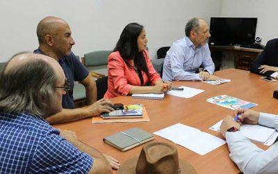 Vecinos de Las Peñas suscriben acuerdo con empresas para el riego de la Ruta I-45