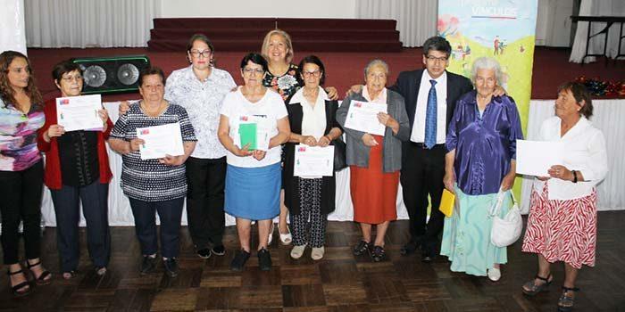 Adultos mayores de Rancagua se reinsertan en la sociedad gracias al Programa Vínculos