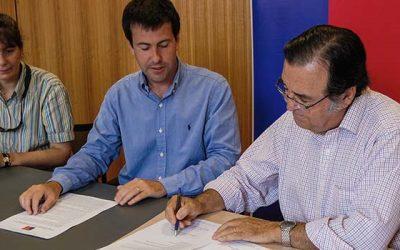 DGA-MOP y junta de vigilancia Estero Chimbarongo firman convenio para avanzar en el uso eficiente del agua