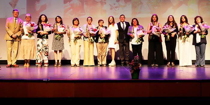 Distinguen a 11 mujeres de la industria frutícola y por primera vez premiación se realiza en la región de OHiggins