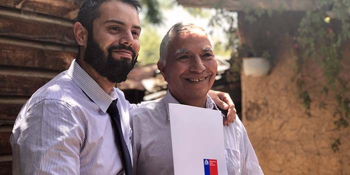 Familias de Codegua y San Fernando reciben actas de radicación de Bienes Nacionales tras años de espera
