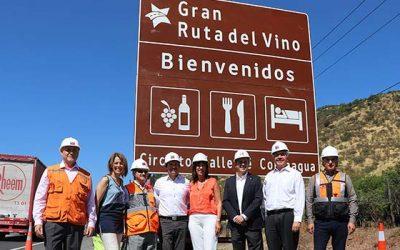 Instalación de nuevas señaléticas turísticas que habrá en los principales destinos de Chile
