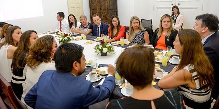 Ministra Pérez lidera jornada de trabajo con seremis de Gobierno y destaca prioridades para 2019