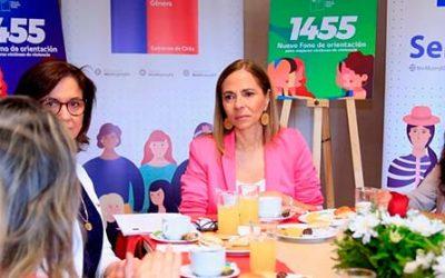 Ministra Plá lanza nuevo fono de orientación para la violencia contra las mujeres