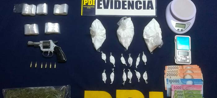 Detectives incautan arma y clorhidrato de cocaína en Litueche