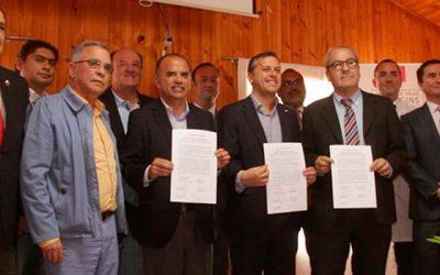 Firman Compromiso de Compra para terreno del Hospital de Pichilemu