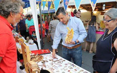 Intendente disfrutó junto a miles de asistentes de la ya tradicional Fiesta de la Fruta de Rosario