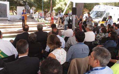 Intendente y ministra(s) de Salud entregan ocho nuevas ambulancias para la Región