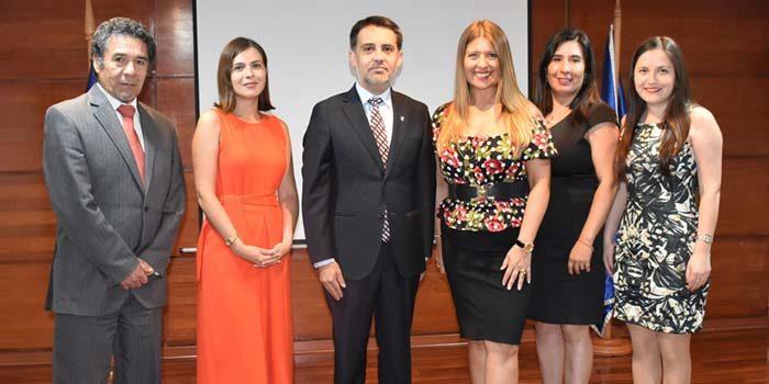 Presidente de la Corte de Rancagua y defensora de la niñez encabezan mesa de trabajo interinstitucional de familia