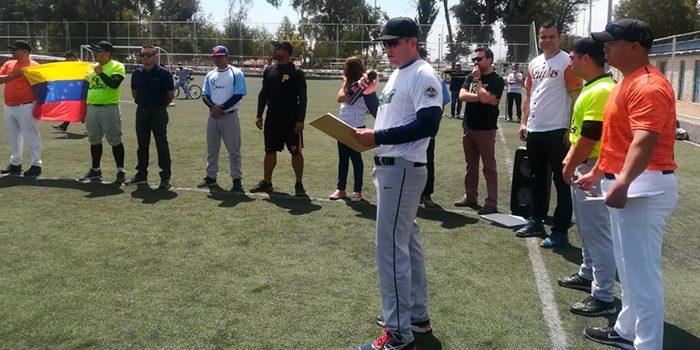 Extranjeros y nacionales dan inicio al Primer Campeonato de Softball en Rancagua