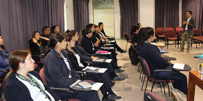 Hospital Santa Cruz realiza inducción general a alumnos de internado intrahospitalario