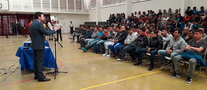 Injuv y Gendarmería llevan el cine a los internos del Complejo Penitenciario de Rancagua