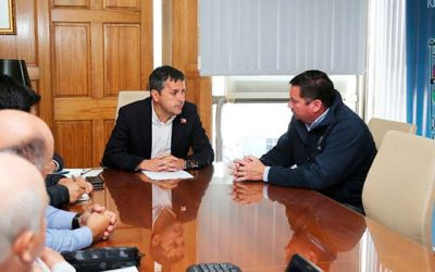 Intendente agiliza proyecto de pavimentación para avenida principal de Paredones